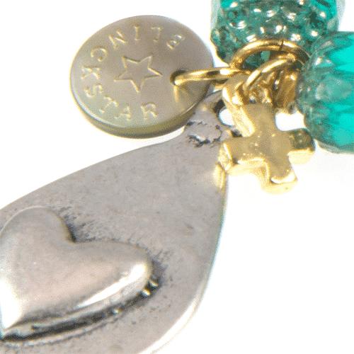 blauw armbandje detail
