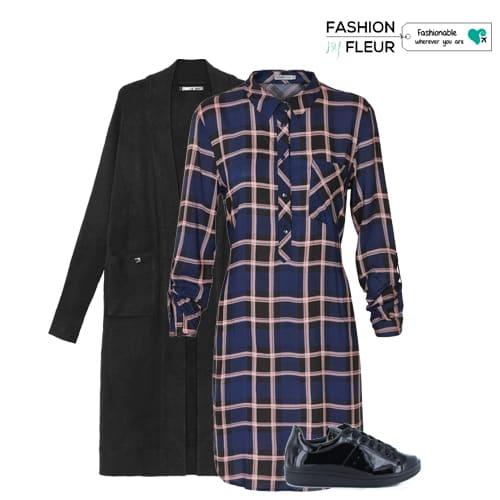 vest-geruite blousejurk-en-sneakers