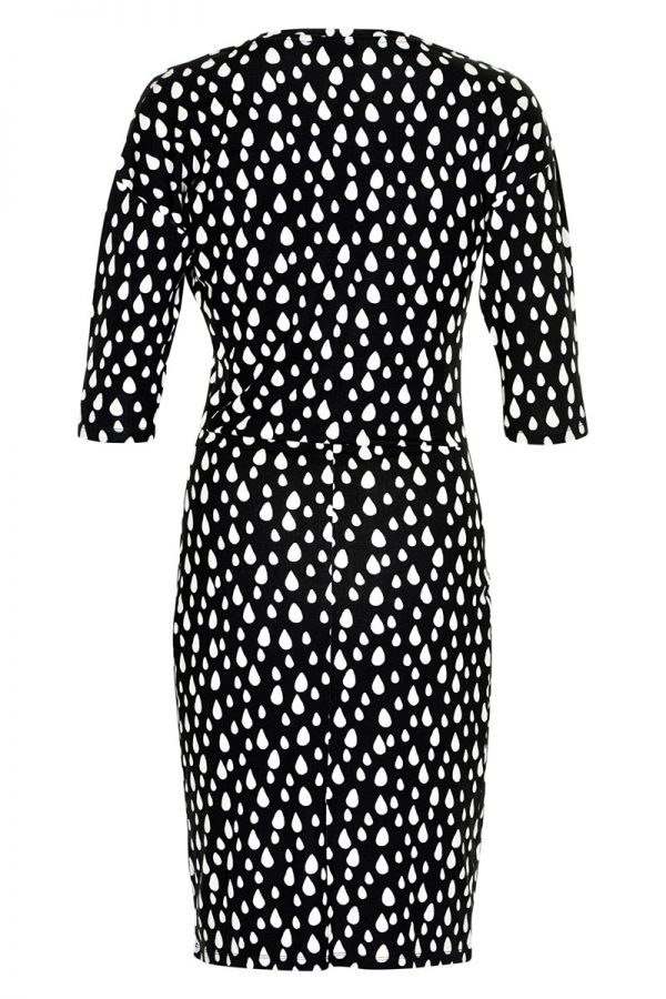 zwarte jurk met witte stippen achterkant