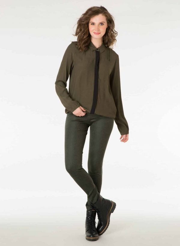 donkergroene blouse