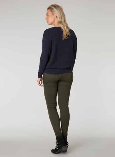 Donkerblauwe trui - Ivy Beau 1