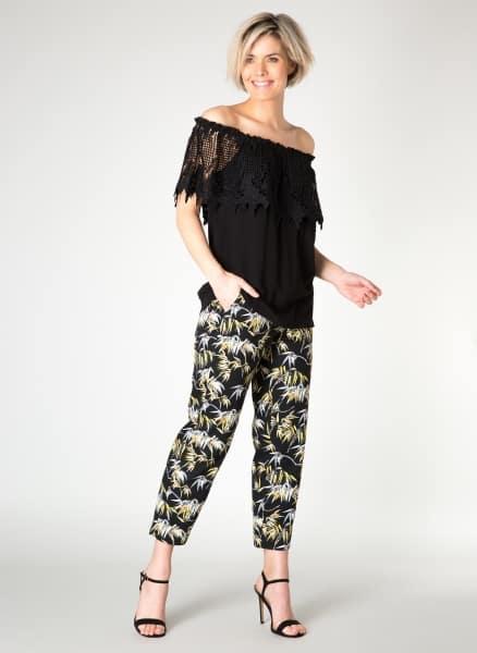 Zwarte off the shoulder top - Yest kleding 1