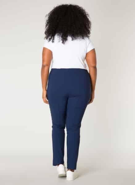 Donkerblauwe damesbroek- By Bella Plus size kleding 1