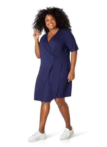Donkerblauwe overslagjurk - By Bella plus size kleding 1